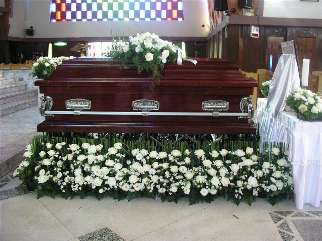 喪禮會場花藝設計|喪禮會場花藝佈置
